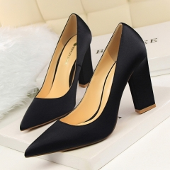 Fashion simple thick with shallow mouth pointed sexy nightclubs were thin satin heels black 34