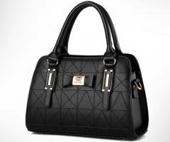 The new trend of women 's shoulder bag fashion hand Messenger bag black one size