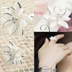 MR.S Snow lotus ring fashion flower ring silver one size