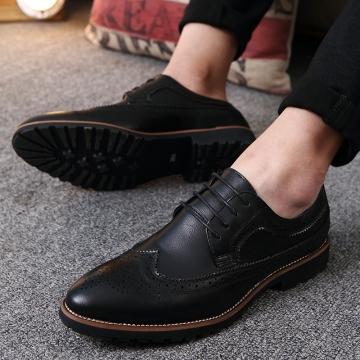 2017 Vintage Leather Men Dress Shoes Business Formal Brogue Pointed Toe Carved Oxfords Wedding Shoes black 43