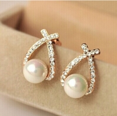 IFeel 2017 Fashion Gold Crystal Stud Earrings Brincos Perle Pendientes Bou Pearl Earrings For Women gold one size