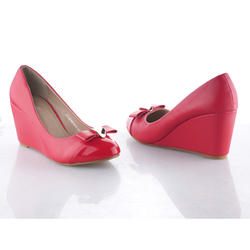 Click to buy these wedge shoes from Kilimall