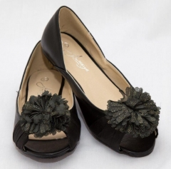 Amaiya Elegance peep toe with a flowery bow black 40