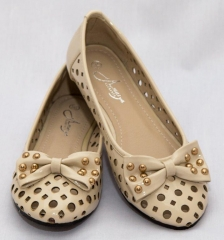 Amaiya Elegance round toe burlap with a gold detailed bow brown 39