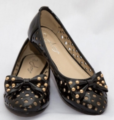 Amaiya Elegance round toe burlap with a gold detailed bow black 39