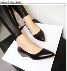 The new trend of women's shoes pointed low-heeled shoes fashion shoes with comfortable shoes wild black 34