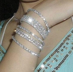 Women's Crystal  Bracelets Fashion  Noble Shiny Wristband Single Row Bracelet for Women 1Pcs one color one  size