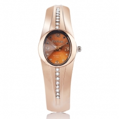 Upscale fashion alloy Retro Female Models Watch Bracelet Watch rose gold