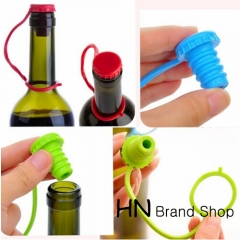 HN Brand-Kitchen Anti-lost Silicone Hanging Seasoning Beer Wine Cork Plug Bottle Cap Cover Perfect green as picture