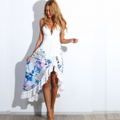 The new European and American dress is set up in summer with a floral print halter dress white s