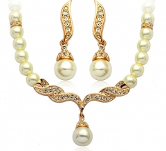 Fashion Angel Wing Alloy with Pearl Necklace Earrings Suit Two Pieces golden onesize