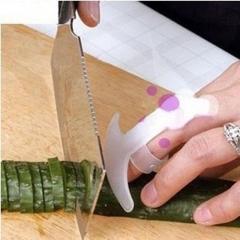5pcs Home Kitchen Safety Plastic Food Knife Chop Cut Finger Protector Guard color random one size