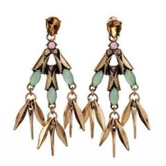Pair of Women's Stylish Rivet Embellished Earrings