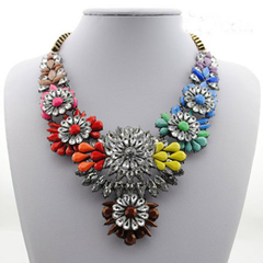 Vintage Gemstone Flower Pendants Women's Fashion Necklace