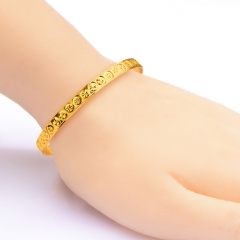 Vintage Style Snowflake Pattern 18k Gold Plated Bangle Golden One size