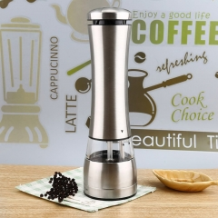 Innovative stylish Electric Stainless Steel Pepper Salt Mill High quality Kitchen Accessories silver