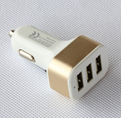 DELUXE® 30W, 3 ports, ultra-fast USB car charger golden