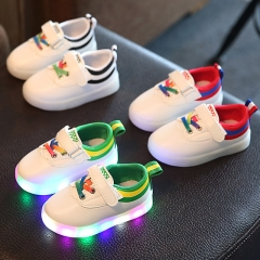 Fashion LED Light Up Children Athletic Shoes Baby Girl Casual Sport Shoes Boy Breathable Sneakers red 21