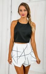 Asymmetric geometric prints Irregular sexy bust shorts white S