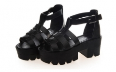 The new fashion lady fish mouth thick soled sandals buckle platform in Rome black 35