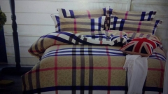 Classical Checkered Duvet with 2 Pillow Cases & 1 Pair of Bed Sheets multicolour 5*6